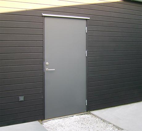 Ekstrands ytterdörr Slät 100 i grå kulör NCS s7500-N