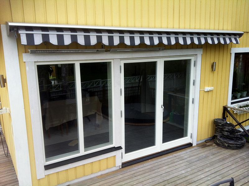 Efter: Parfönsterdörr och fast fönster med glasdelande post