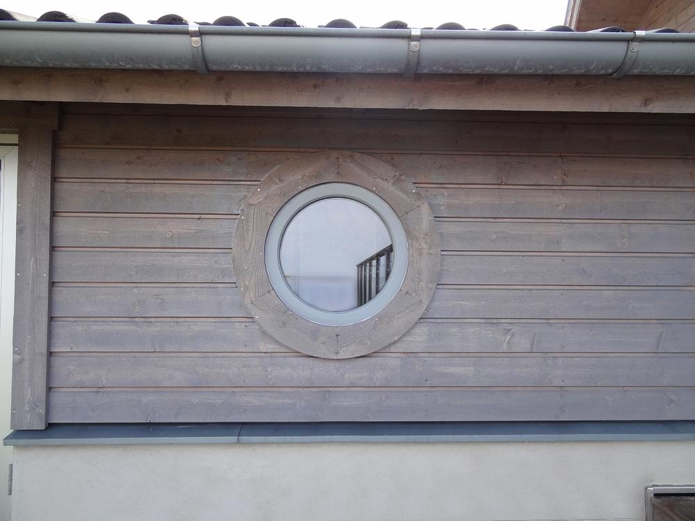 Runt fönster från Ekstrands
