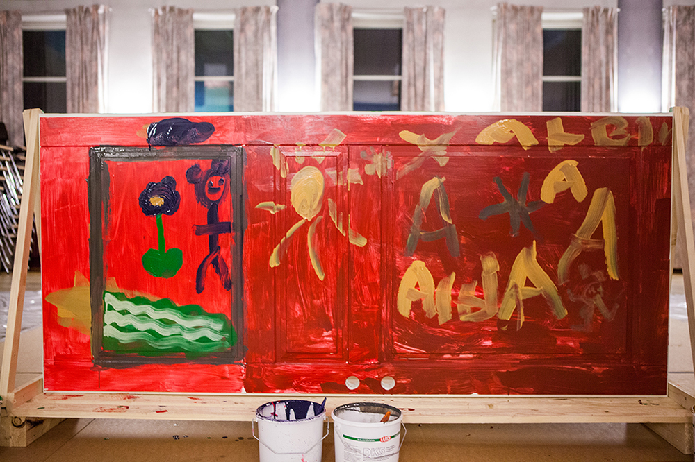 Dörrkonst efter att barnen har målat