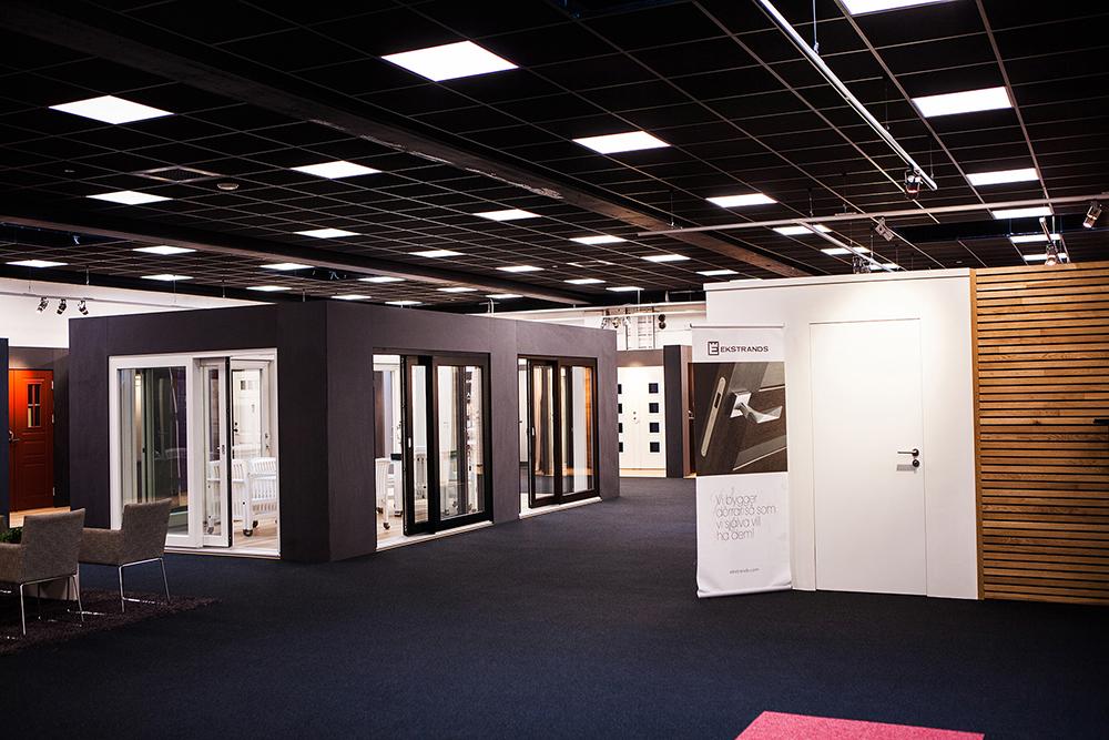Även vårt nya karmsystem I-karm finns att se i person i nya utställningen.